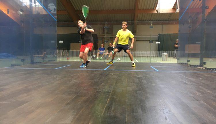 Squash-Glas-Court-Action